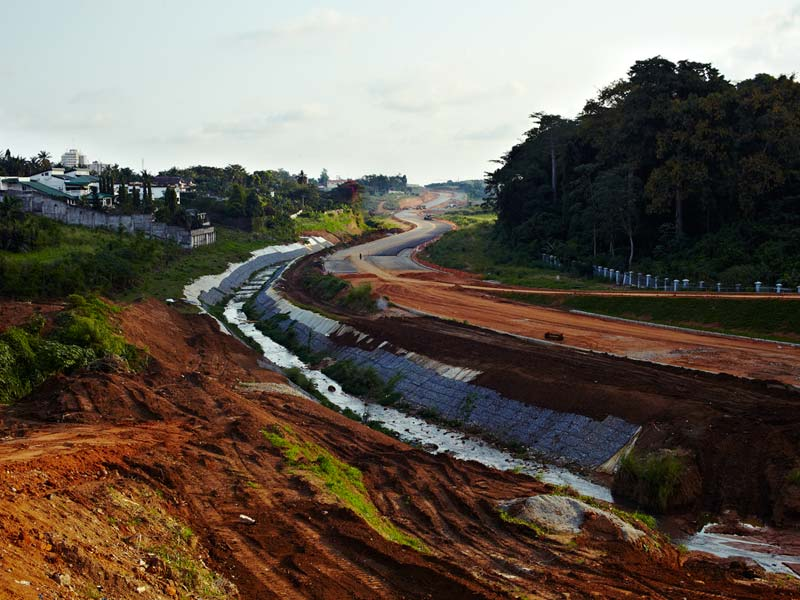 Echangeur Mitterrand, chantier du Pont Henry-Konan Bédié, Cocody Riviera 2, 10 novembre 2013